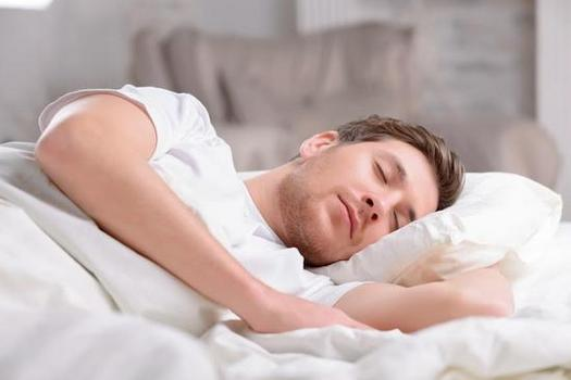 Đệm bông ép, đệm lò xo dành cho người hay ra mồ hôi khi ngủ