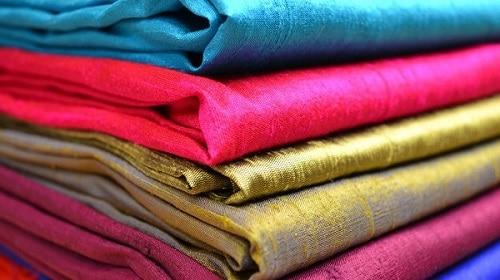 Vải gấm – chất liệu làm chăn ga gối nệm tốt nhất