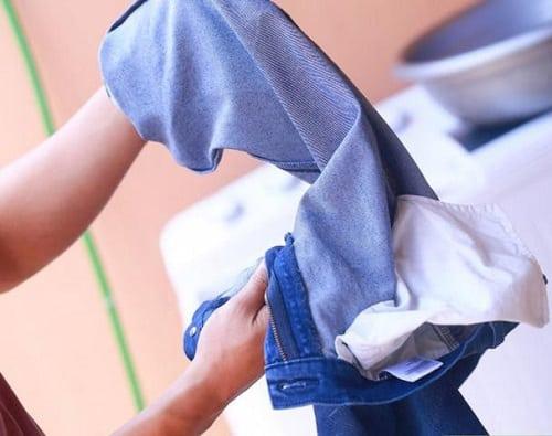 Cách giặt phơi trang phục vải kate