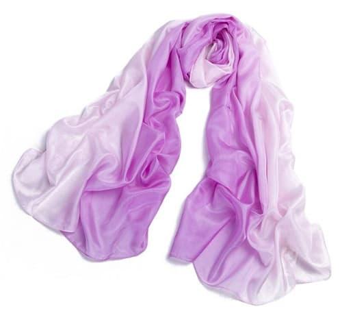 Vải lụa tơ tằm có màu sắc nhẹ nhàng, độ bền cao