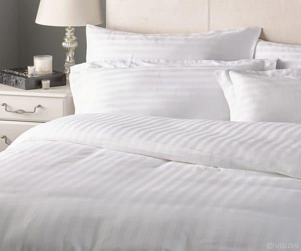 Vỏ chăn khách sạn trắng kẻ sọc