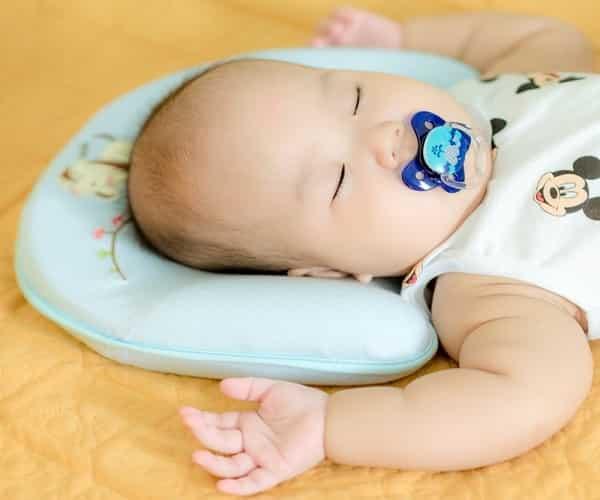 Gối cao su non cho trẻ sơ sinh